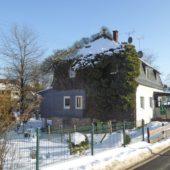 Zugewachsenes Haus in Gummeroth
