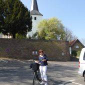 Direkt neben der Pfarrkirche St. Walburga haben wir mal gewohnt.