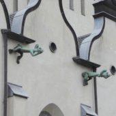 Moderne Wasserspeier an St. Clemens.