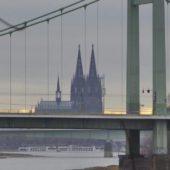 Mülheimer Brücke und Dom.