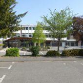 Auf die Thomas-von-Quentel-Schule, direkt gegenüber der Kirche, ist unsere Tochter gegangen.