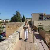 Auf der Stadtmauer in Alcúdia.