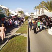 Unfassbar viele klamotten auf dem Markt in Son Bauló (Can Picafort)
