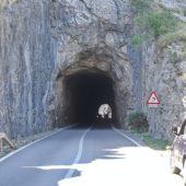 Tunnel oberhalb von Cala Figuera.